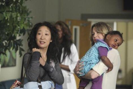 Greys_Anatomy_Season_8_Episode_1_Free_Falling_2-cristina meredith zola